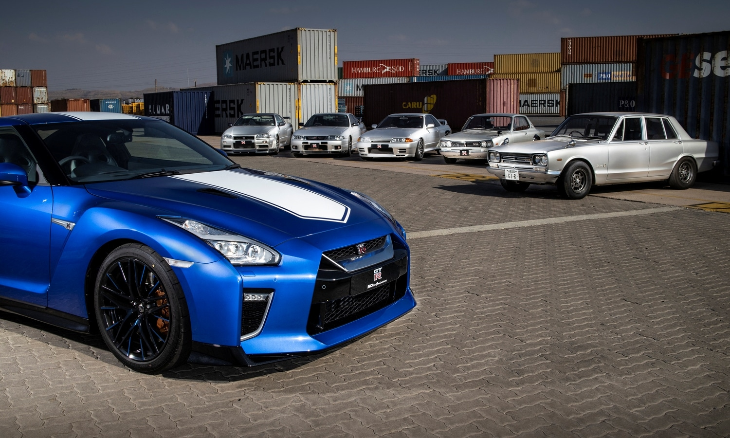Nissan GT-R 50th Anniversary Limited Edition Vs Ford Skyline