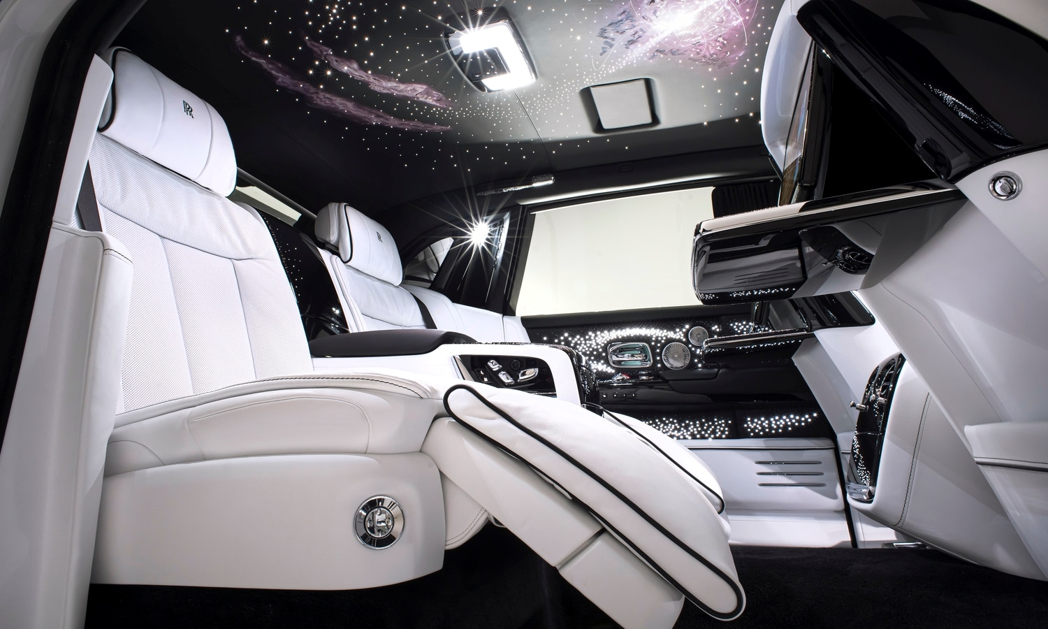 Rolls Royce Phantom Tempus Collection debuts in North America, Marking a special moment in time