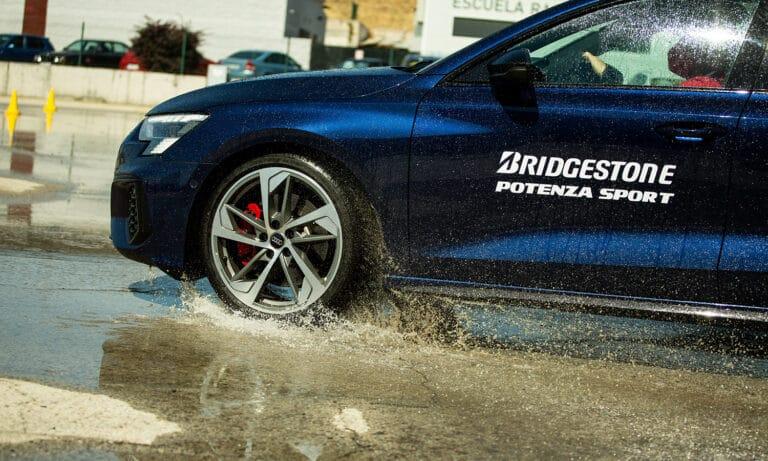 Bridgestone Potenza Sport mojado