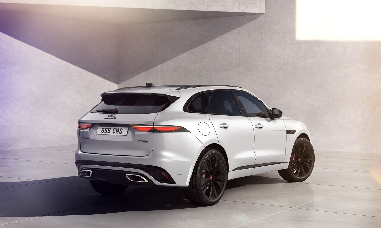 Jaguar F-Pace R-Dynamic Black - Ostuni White with Ebony Interior