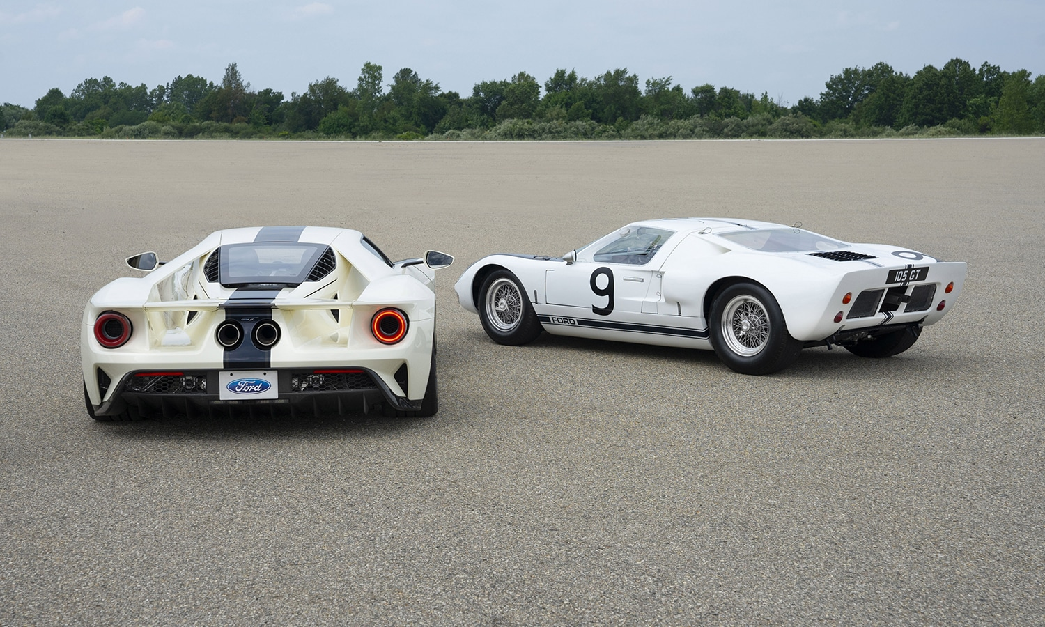 Ford GT 64 Heritage trasera