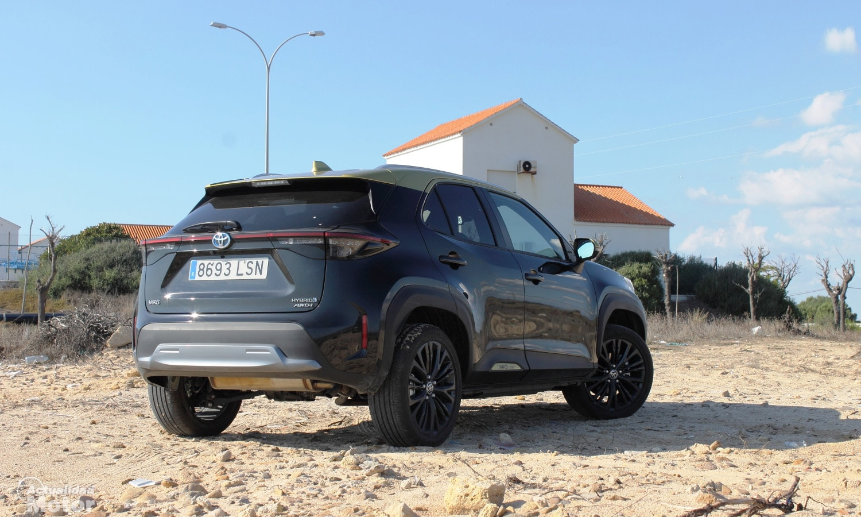Prueba Toyota Yaris Cross perfil trasero