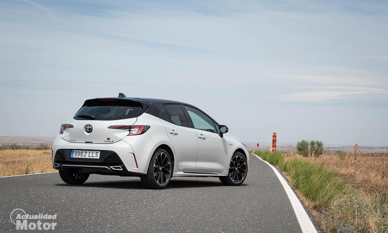 Prueba Toyota Corolla GR Sport perfil trasero