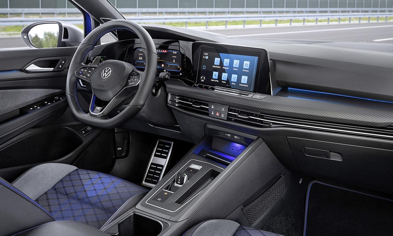 Volkswagen Golf Variant R interior