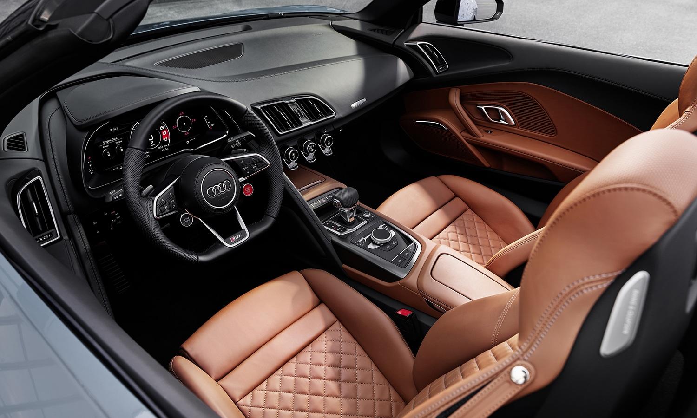 Audi R8 V10 Performance RWD interior